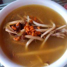 茶树菇乳鸽汤的做法