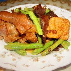 蹄香油豆腐的做法