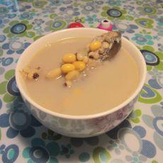 黄豆猪骨煲鲮鱼汤的做法