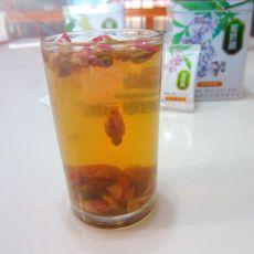 蜂蜜玫瑰茶的做法