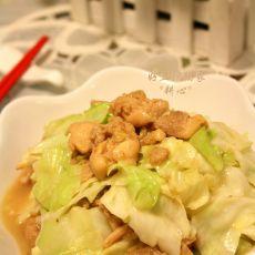 鸡腿肉炒椰菜的做法