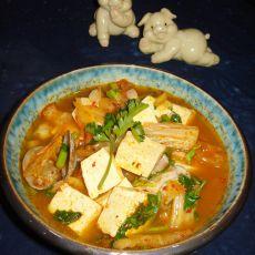 鲜蛤辣白菜汤的做法