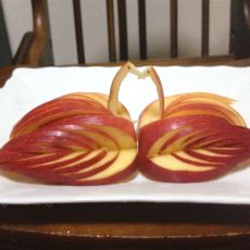 天鹅苹果果盘