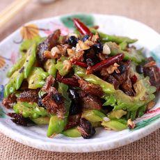 蒜香豆豉鲮鱼炒苦瓜