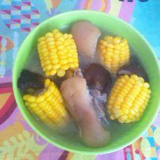 香菇玉米猪脚汤的做法