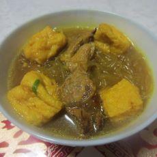 油豆腐牛肉粉丝汤