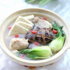 鸡汤豆腐小白菜的做法