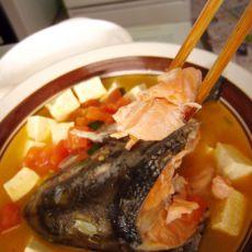 三文鱼头豆腐汤-熬夜看奥运的做法