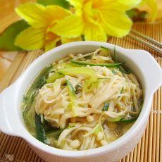 黄瓜炒金针菇