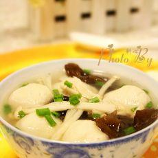 金针菇鱼丸木耳汤