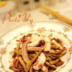 茶树菇烩鱿鱼须