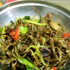 干锅茶树菇腊肉