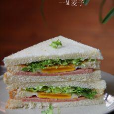 午餐肉三明治的做法