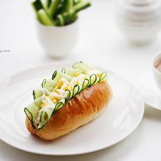 青瓜碎蛋餐包