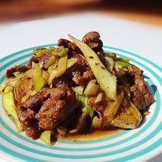 孜然姜蒜炒牛肉的做法