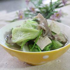 白菜豆腐炖蘑菇