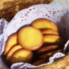 美味小点心--蛋黄饼干的做法