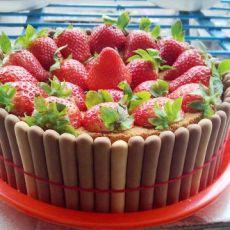 手指饼干草莓蛋糕的做法