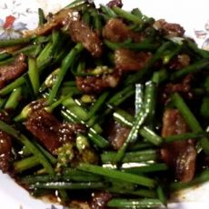 家常菜--蚝油韭台炒肉