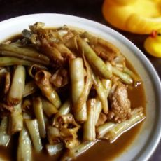 家常菜--五花肉炖芸豆的做法