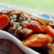 红咖喱焖牛腩红萝卜的做法
