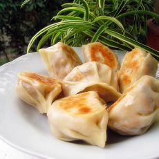 胡萝卜木耳粉丝煎饺的做法