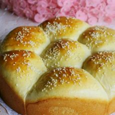 豆沙皇冠面包