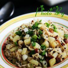 腊肉土豆炒饭