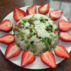 豌豆炒饭+草莓的做法
