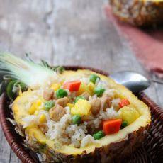 菠萝肉丁炒饭