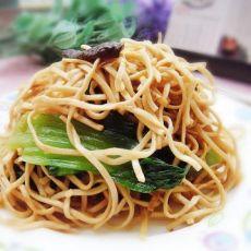 香菇油菜炒面的做法