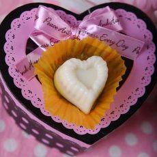 温暖甜蜜―DIY杏仁巧克力的做法
