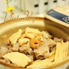 腐竹排骨煲的做法
