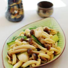 黄瓜炒双菇