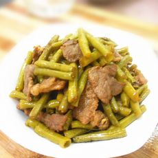 酸豆角炒肉的做法