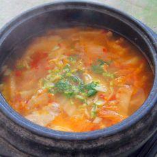 辣白菜汤的做法