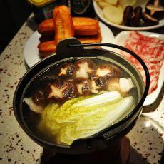 肉片香菇火锅的做法