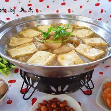 酸菜咸肉火锅的做法