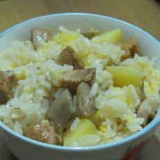 土豆鸡肉蘑菇焖小碴子米饭