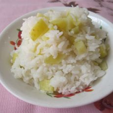 洋葱土豆焖饭