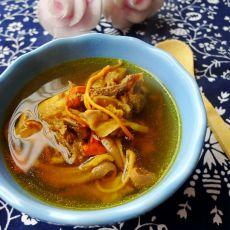 虫草花猪肚煲土鸡汤的做法