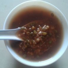 红糖绿豆水的做法