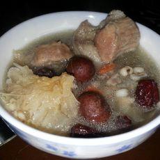 清补凉猪骨汤的做法