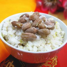 玉米渣花生米饭的做法