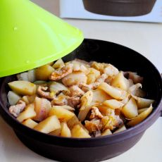 沙茶焖土豆的做法