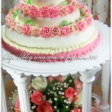 三层翻糖玫瑰婚礼蛋糕?菱子手做蛋糕?