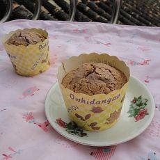 纸杯可可蛋糕―烤箱第一个作品的做法