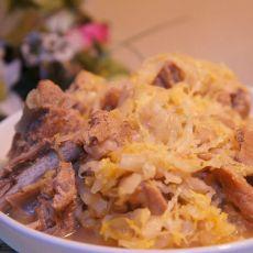 排骨炖酸菜的做法