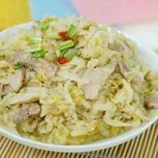 酸菜炖肉的做法
