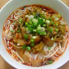酸菜肉丝米线的做法